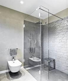 Behindertengerechte Badezimmer Beispiele - die besten 25 glasduschwand ideen auf
