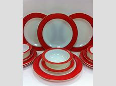 I would love to have this set! Pyrex Dinnerware Set