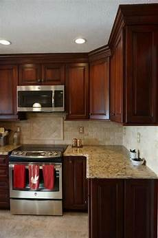 Decorating Ideas Cherry Cabinets by 36 Wonderful Cherry Wood Cabinets Kitchen Decorating