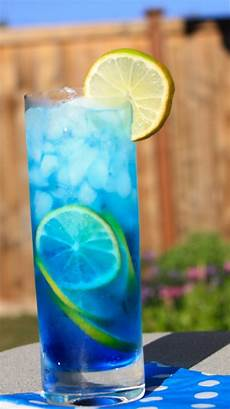 blue tropical paradise cocktails mix holiday party drink menu recipe holicoffee