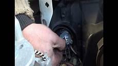Ford 2002 Schwachstellen - change all headls bulbs beam headlight side