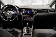 golf 7 lounge serienausstattung vw golf sportsvan innenraum der sportsvan wehrt sich