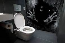 Bathroom Scary by Image Result For Scary Bathroom Bathrooms