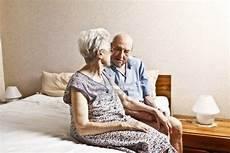 anziani a letto krea tu exito de desarrollo personal y coach los