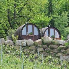schlafen im weinfass sasbachwalden schwarzwald erlebnis