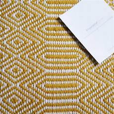 Tapis De Salon Design Jaune Et Blanc En Et Coton