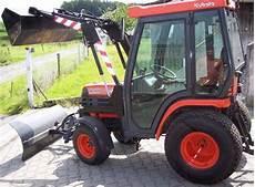 Verkauf Steht Einen Gebraucht Kleintraktor Mit Frontlader