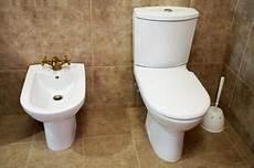 Pourquoi La Cuvette Des Toilettes Est Perdre De L Eau