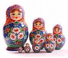 russische puppen ineinander nesting doll named matryoshka manners customs and