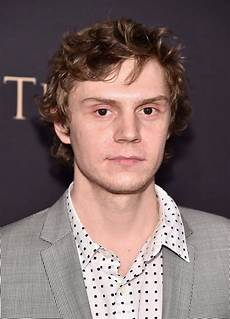 evan peters evan peters cameos in deadpool 2 popsugar