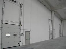 portoni industriali sezionali portoni sezionali industriali b f montaggi