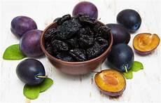 alimenti per colite ulcerosa colite ulcerosa dieta alimenti da mangiare e evitare con