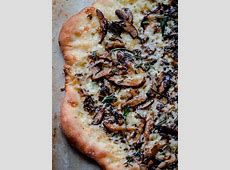 grilled autumn pizza_image