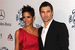 Halle Berry Olivier Martinez Engaged He Confirms  Newsday