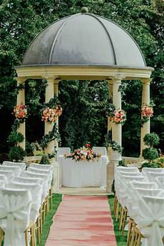 everything you need to know about planning an outdoor wedding wedding ideas