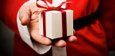 petit cadeau noel laissez moi vous sortir de la gal 232 re pour vos cadeaux 1
