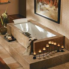 badezimmer mit whirlpool how to renovate a bathroom with bathtub