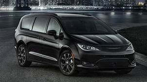 Chrysler Pacifica AWD Expected In Q2 2020 With Plug