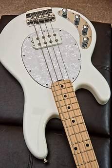 Left Handed Stingray 4h Bass White Reverb
