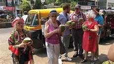 mit 80 jahren um die welt lothar indien mumbai zdfmediathek