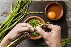 come pulire e cucinare gli asparagi selvatici 5 modi gustosi per cucinare gli asparagi selvatici