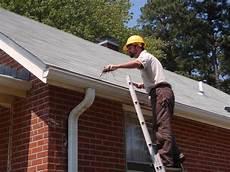 nettoyer toit comment bien nettoyer sa toiture