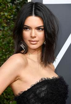 kendall jenner slams critics of her golden globes acne