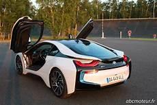 voiture porte papillon prise en de la gamme sportive bmw i8 m6 m4 m235i