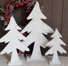 tannenbäume basteln aus holz wei 223 er holz tannenbaum shabby weihnachtsbaum