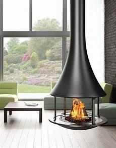 cheminée centrale foyer ouvert cheminee zelia 908 centrale foyer ouvert fireplace with special design foyer