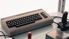 ecco lo smartphone di commodore avr 224 gli emulatori di c64