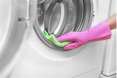 tips to clean your washing machine and dryer puroclean