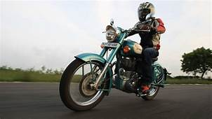 Royal Enfield Classic 500 2013  Price Mileage Reviews
