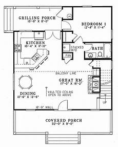 1400 square feet house plans farmhouse style house plan 2 beds 2 baths 1400 sq ft