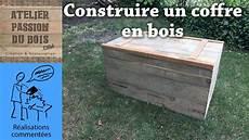caisse pour bois de chauffage comment faire un coffre en bois de palette