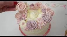 buttercreme blumen torte zusammensetzen dekorieren und