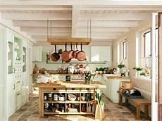 fliesen landhausstil küche moderner landhausstil f 252 r k 252 che und bad dank landhaus fliesen