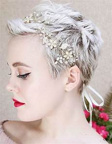 Pixie Style To Curl Hair For A Wedding