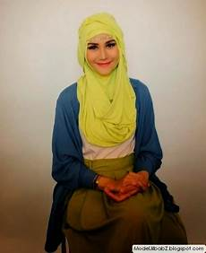 Model Jilbab Zaskia Adya Mecca Yang Modis Nan Gaul