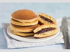 dorayaki  sweet filled pancakes_image