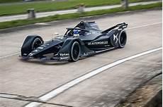 Formel E 2018 - formula e reveals new mario kart for next year car