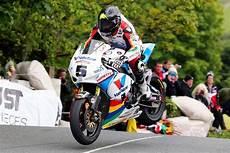 Tourist Trophy Anstey S Impose En Superbike