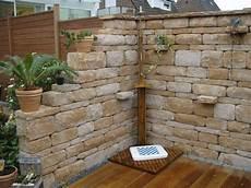 steinmauer garten sichtschutz mauer mediterran traumgarten steinmauer garten garten und gartenmauern