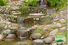 Kleiner Teich Mit Bachlauf - teichbau teiche und gartenteiche vom gartenbau und