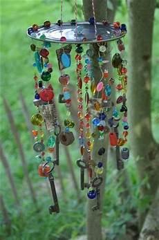 Windspiel Basteln Mit Kindern - buntes garten windspiel perlen rostigen schrauben und