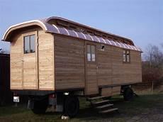haus auf anhänger tiny house zirkuswagen wohnwagen ein erkl 228 rungsversuch