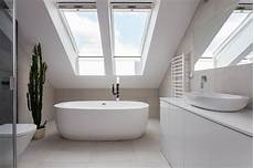 das badezimmer unterm dach individuelle das badezimmer unterm dach heimhelden