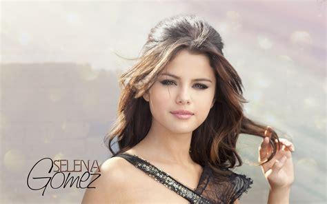 Selena Gomez Weight Kg