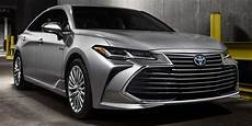 2019 toyota avalon vehicles on display chicago
