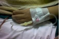 Infusan Gambar Tangan Di Infus Anak Remaja